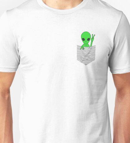 "I Love Aliens Cute  Green Alien in a drawn ""pocket"" Casual T-Shirt Unisex T-Shirt"