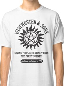 T-SHIRT SUPERNATURAL WINCHESTER & SONS Classic T-Shirt