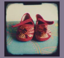 Tiny toes - red chinese baby shoes Kids Clothes