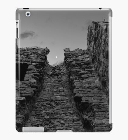 Unique Shot of a Tower in Kirkcaldy iPad Case/Skin