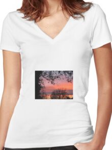 Heaven and Earth Women's Fitted V-Neck T-Shirt