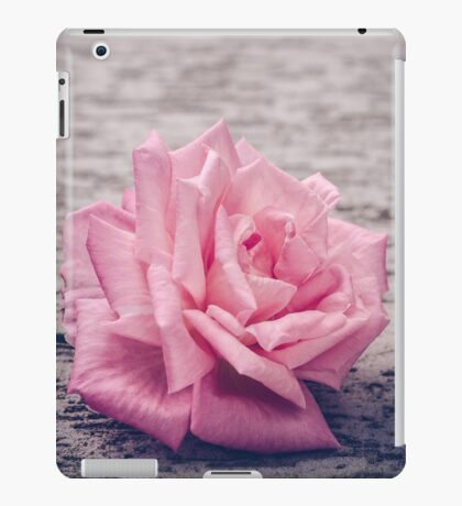 A simply Rose iPad Case/Skin