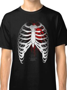 Love hurts... (Ribcage with heart) Classic T-Shirt