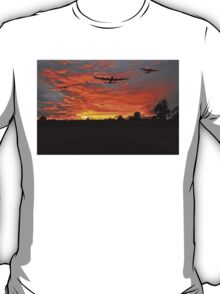Bomber county: Lincolnshire sunset 1943 T-Shirt