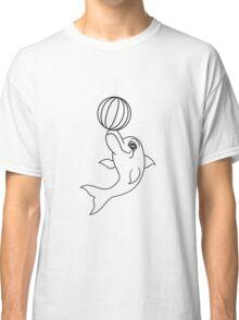 ball spielen balancieren springender delfin cool design süß niedlich spaß  Classic T-Shirt
