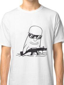 armee soldat waffe maschinengewehr schießen helm general cool sonnenbrille krieg army böse wasser delfin schwimmen süß niedlich  Classic T-Shirt