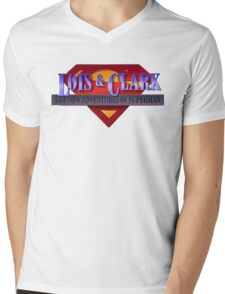 Lois and Clark the New Adventures of Superman Mens V-Neck T-Shirt