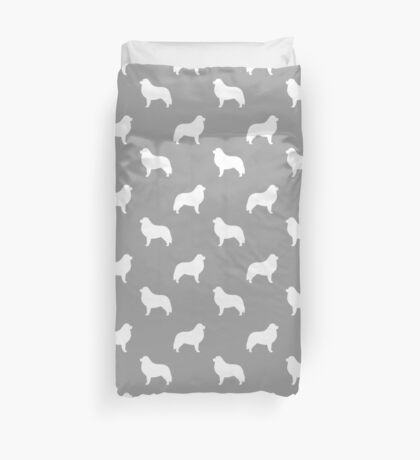 Great Pyrenees Silhouette(s) Duvet Cover