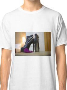 Ankle Boots with Pearls and Lelo Classic T-Shirt