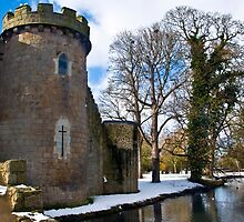 Whittington Castle with snow by dunawori