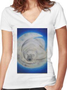 sleepy bear Women's Fitted V-Neck T-Shirt