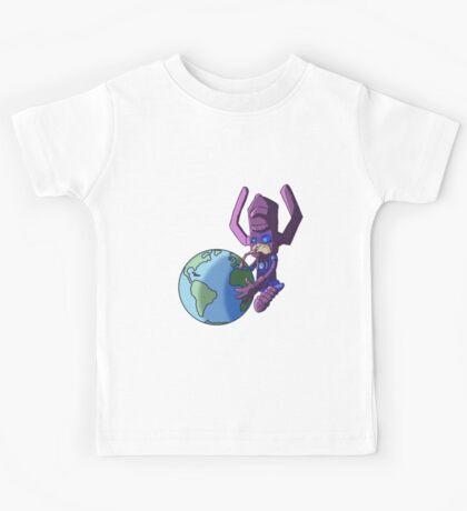 Chibi : Une planète par jour éloigne le médecin ! Kids Tee