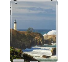 Breaking Waves At Yaquina Head Lighthouse iPad Case/Skin
