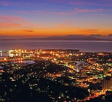 Sunrise over Townsville from Castle Hill by Paul Gilbert