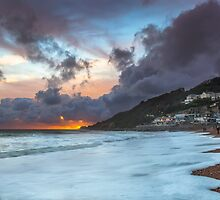 Ventnor Surfers Sunset by manateevoyager