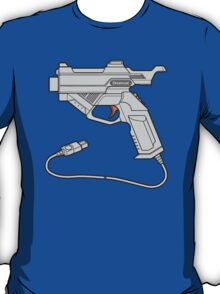 Dreamcast Light Gun (On Blue) T-Shirt