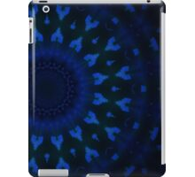 Geometric abstract blue pattern on black background iPad Case/Skin
