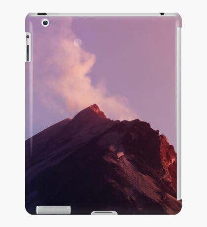 Mount St. Helens At Sunset. iPad Case/Skin