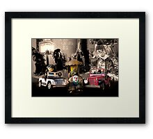 About time - Des jouets Vintage Framed Print