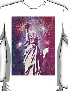 Statue Liberty 4th of July Fireworks 2a T-Shirt