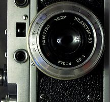 Vintage photo camera by allthemthings