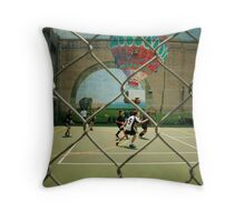 Lunchtime game Throw Pillow