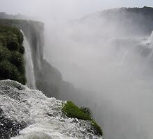 Mighty Iguazu Falls by Jeremy4444