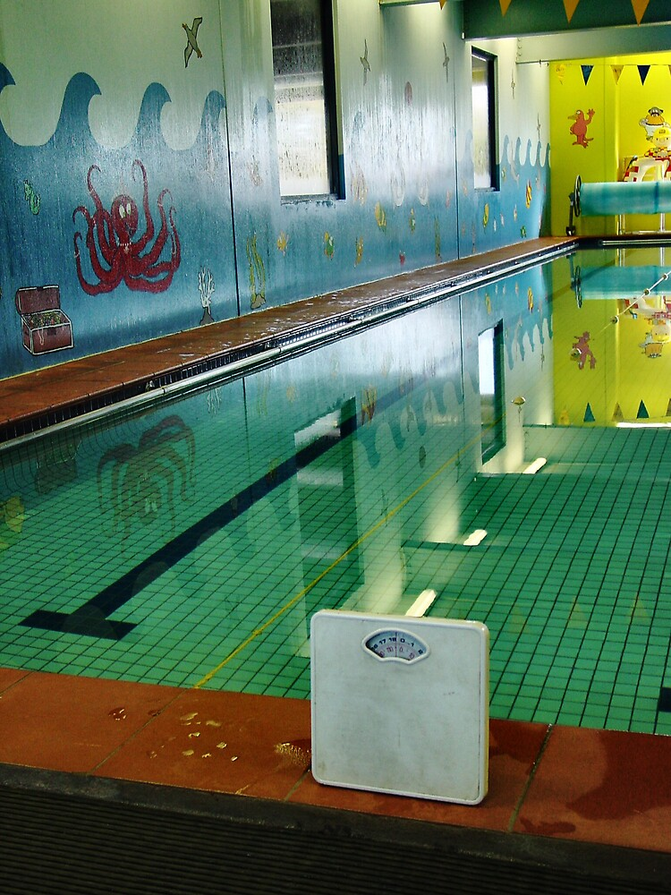 :taking your weight issues with you: should i be at the pool? by Janet Leadbeater