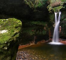 Kelburn falls by David James
