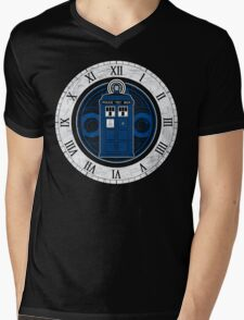 TARDIS and Clock - Doctor Who Mens V-Neck T-Shirt