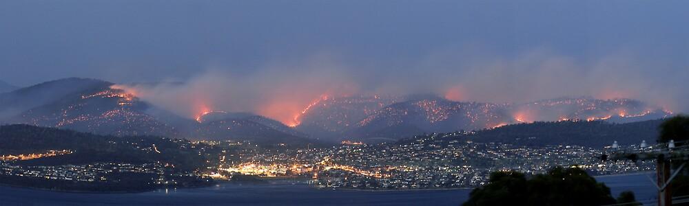 Hobart Bushfires by Ian Stewart