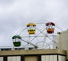 Small ferris wheel in Nagoya by frommyhorizon