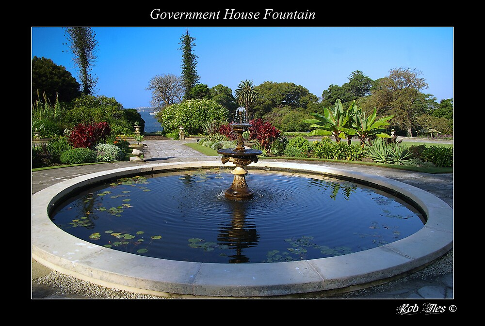 Government House Fountain by Rob Iles
