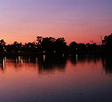 Sun Set in Mildura. by Olie Tugwell