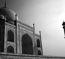 Shah Jahns Mausoleum by Murray Newham