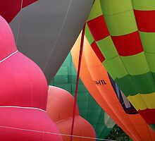 6 Hot Air Balloons by peter S
