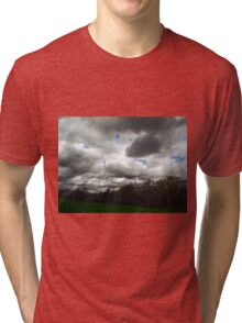Deus Benedicat terra ista Tri-blend T-Shirt