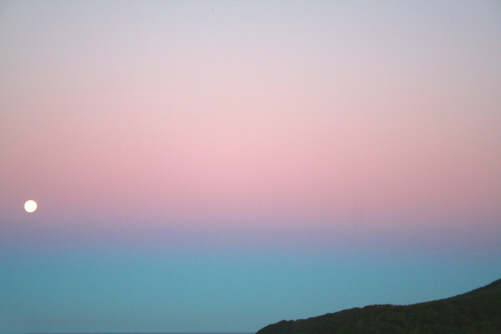 moonrise by shhe