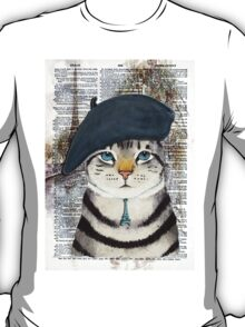 Charming French Cat in Paris. Perfect for cat lovers. T-Shirt