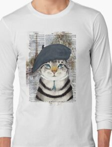 Charming French Cat in Paris. Perfect for cat lovers. Long Sleeve T-Shirt