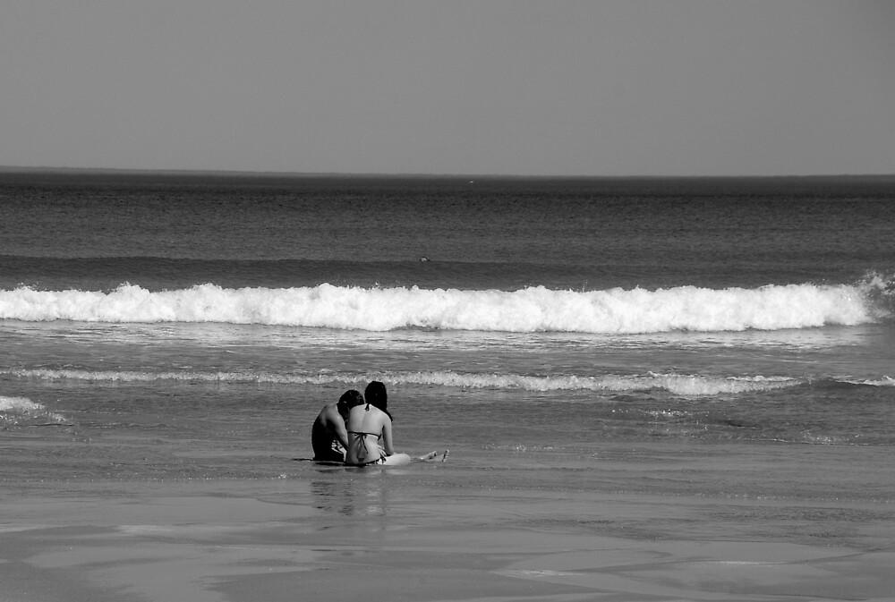 Beach Couple by Leigh  Parkin
