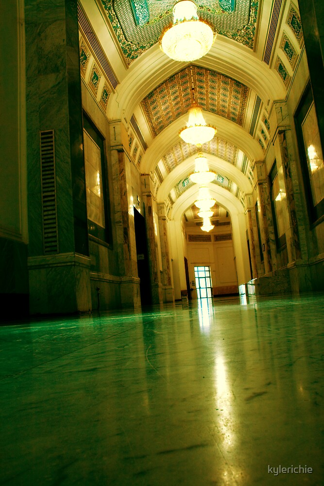 Palace Corridor by kylerichie
