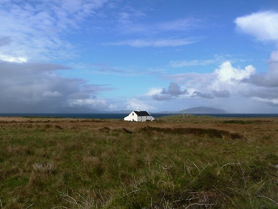 Old Irish coastal cottage, Co Kerry, Ireland by Donny Ocleirgh