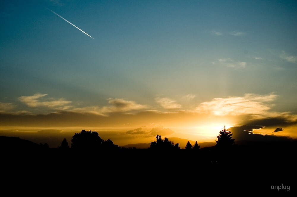 Sunset - Lonely contrail by unplug