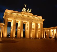 Brandenburger Tor in Berlin by venkman