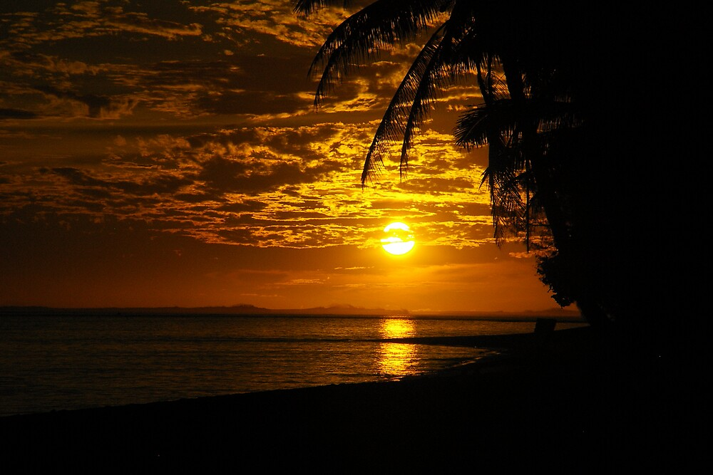 Sunset on Raro by Ozmoe