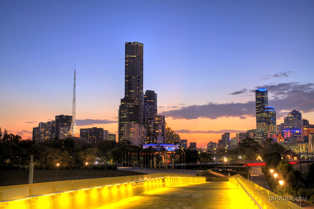 Melbourne at Dusk by photoblogku