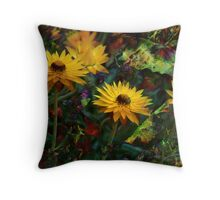 Paperdaisies Throw Pillow