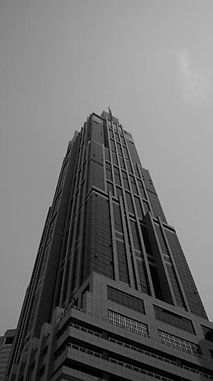 Looking Up v3 - Hong Kong New World Tower, Shanghai by Jonathan Russell