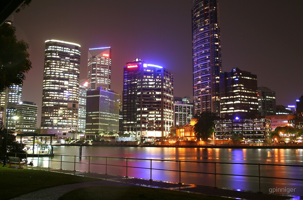 Brisbane by night by gpinniger